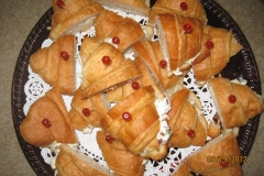 Mini-Croissants-with-chicken-salad